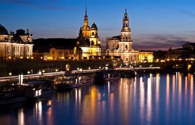 stadtplan.net - Dresden - Elbe - Blick von der Carolabrücke